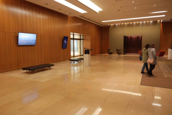 Spirit Level: Virginio Ferrari & Marco G. Ferrari, CBRE lobby, 737 N. Michigan Ave., Chicago, IL, USA, 2016–17.