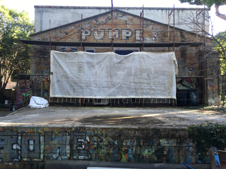 Porta Maggiore Projection - #1 Public Film Shoot, Csoa Ex Snia, Parco delle Energie, Rome, Italy, October 13, 2018. Projection build.