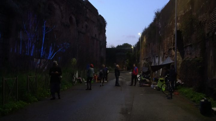 Delfini (per una scena di Porta Maggiore): Proiezione notturna estranea n. 3; Acquedotto Felice, via del Mandrione 390, in collaboration with Stalker/NoWorking, L'inatteso a Roma Est, 2019, Italy. Public Projection. Photo by M.Paravani.