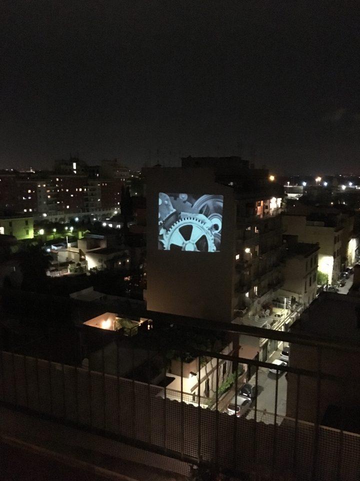 rigenera-marcoasilo-quarantinehearts-homeprojections-20200501-marcogferrari-home-rome-groupscreenings-n07-moderntimes-chaplin-windowstoscreen-misc-projection-101